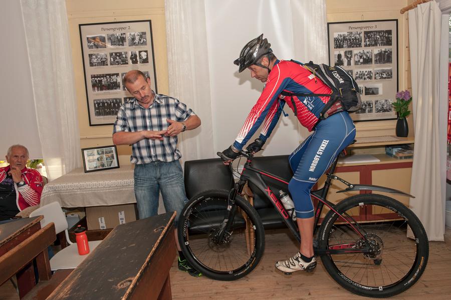 Terje og Rolf på sykkel